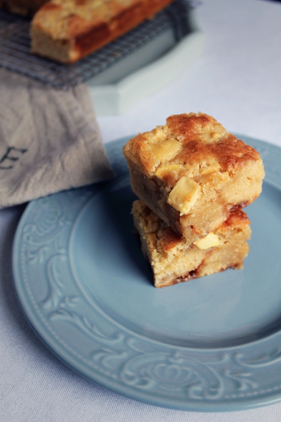 Apple and Caramel Blondies
