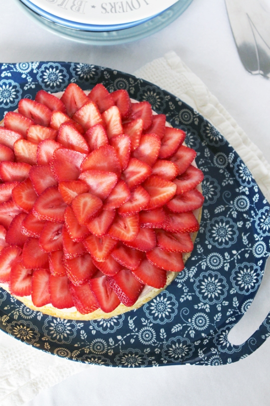 Strawberry and Lime White Chocolate Gooey Cake