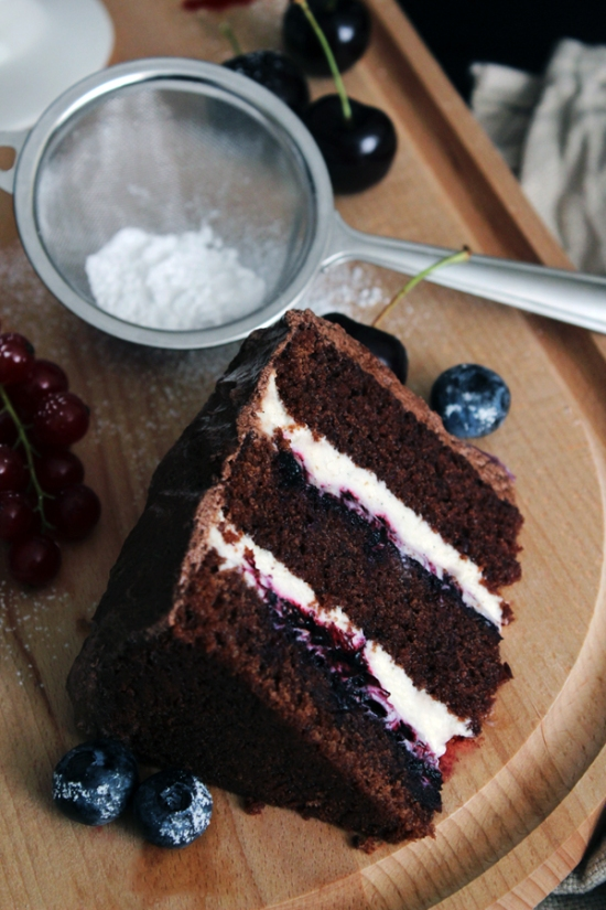 Chocolate Berry Cake with Vanilla Mascarpone Filling